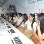 Alumnos del Centro Escolar Caserío Huizisilapa del Cantón Obraje Nuevo del Municipio de San Pablo Tacachico reciben charla de educación financiera.