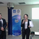 Licda. Evelyn Soler, Oficial de Información del FSV agradece participación de Facilitador Javier López de la Intendencia de Bancos y Conglomerados de la SSF, martes 6 de noviembre de 2018.