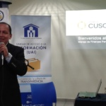Lic. César García Coordinador de Capacitaciones del Banco Cuscatlán imparte charla educativa en FSV, viernes 9 de noviembre de 2018.