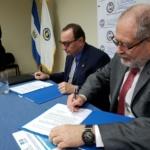 Rector de la UCA, padre Andreu Oliva y Superintendente del Sistema Financiero, Ing. Ricardo Perdomo firman Carta de Entendimiento