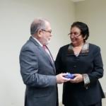 Superintendente del Sistema Financiero Ing. Ricardo Perdomo recibe reconocimiento por parte de la UCA