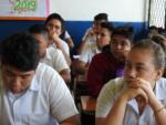"""57 alumnos de las secciones matutinas """"A"""" y """"B"""" de Noveno Grado, del Centro Escolar Tomás Medina, recibieron el taller financiero sobre """"Cómo elaborar un presupuesto, diferencias entre ahorro e inversión"""". La Sección """"A"""" fue atendida por Dinora Aldana y Karla Contreras, del Banco Cuscatlán.  Mientras que la sección """"B"""" fue atendida por los pasantes de la SSF, Saraí Rodríguez e Ítalo Ferrufino. Martes 5 de marzo de 2019."""