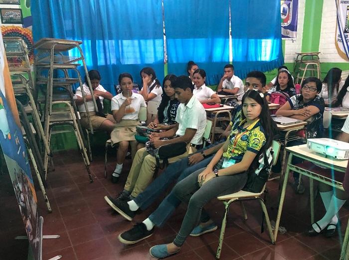 305 ESTUDIANTES DE DIFERENTES CENTROS EDUCATIVOS FUERON CAPACITADOS EN TEMAS FINANCIEROS