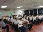 ¡Iniciamos la semana llevando Educación Financiera a Chalatenango! Estudiantes del C.E. Héroes del 11 de Enero aprenden sobre el Mercado de Valores y cómo opera, una temática que les permitirá saber cómo invertir para su futuro.