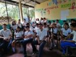 Las nuevas tecnologías nos permiten realizar operaciones financieras; es por ello que enseñamos a los estudiantes del Instituto Nacional de El Paraíso, Chalatenango, qué es el dinero electrónico, la inclusión financiera y cómo estos pueden facilitar su vida financiera.