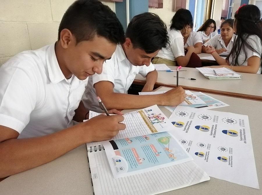 EDUCACIÓN FINANCIERA PARA FORMAR ADULTOS INFORMADOS Y RESPONSABLES